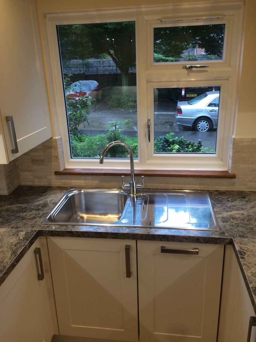Kitchen worktop installation